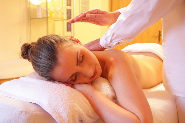 technik masażysta czy warto